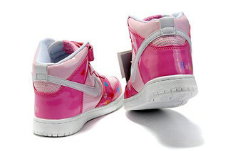 Hello-Kitty-Nike-Shoes-For-Kids-Anime-Dunk 3  eb2cefe909